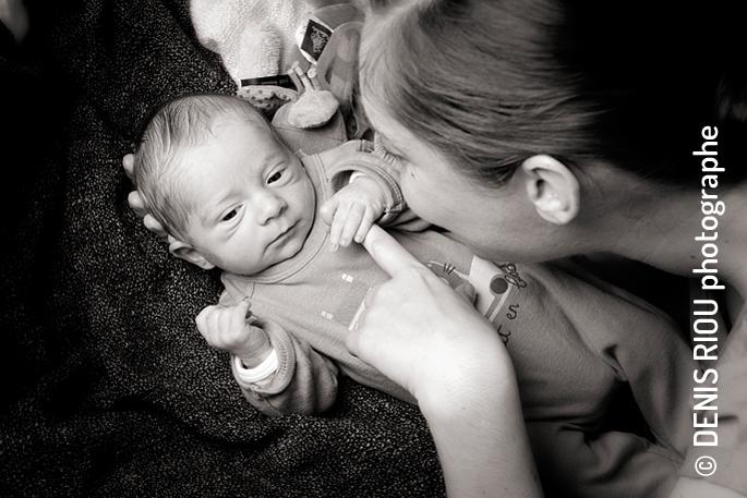 Bébé de 6 jours à domicile