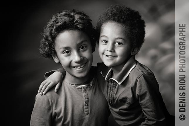 b 17 nb  portrait enfants © Denis Riou photographe